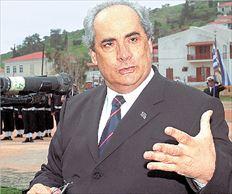 Τα κωμικοτραγικά περιστατικά με πρωταγωνιστή  τον Βασ. Μιχαλολιάκο, στα επίσημα ταξίδια του  στη Βουλγαρία, ως υφυπουργός Άμυνας- που είχαν αποκαλύψει «ΤΑ ΝΕΑ», στη 1/2/07- επιβεβαιώνει η δικαστική απόφαση, δικαιώνοντας τον  απόστρατο ταξίαρχο κ. Κων. Καλημερίδη