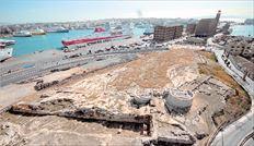 Η Ηετιώνεια Πύλη αποτέλεσε τον  έναν από τους δύο ακρογωνιαίους  λίθους του γιγάντιου φρουρίου, πάνω  στο οποίο θεμελιώθηκε και  στηρίχθηκε η αθηναϊκή αυτοκρατορία  της κλασικής αρχαιότητας και  αναμένεται να αναδειχθεί όταν  βρεθούν τα χρήματα από το ΕΣΠΑ