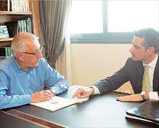 Νικήτας Κακλαμάνης- Άρης Σπηλιωτόπουλος. Ο πρώτος δηλώνει ότι  προτίθεται  να διεκδικήσει την επανεκλογή του, ο δεύτερος επιδιώκει την  επανακαμψή του,  με νέο ρόλο, στην πολιτική σκηνή