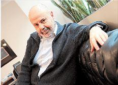 Ο καλλιτεχνικός διευθυντής του Εθνικού  Θεάτρου Γιάννης Χουβαρδάς