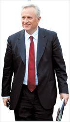 ▅ «Είμαστε ανοικτοί σε κάθε  πρόταση που θα βελτιώνει το  σχέδιο», τόνισε ο υπουργός  Εσωτερικών Γιάννης Ραγκούσης