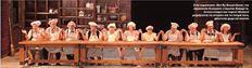 Μέλη ενός επαναστατικού κινήματος γίνονται οι θεατές στο  «Revolution Νow!»,  μια παραγωγή που περιλαμβάνει κι έναν πειρατικό  τηλεοπτικό σταθμό εκτός θεάτρου