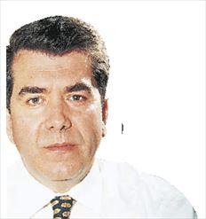 Ο Αλέξης Μητρόπουλος δήλωσε τελικά  ότι περιμένει απλώς την τυπική επιβεβαίωση της υποψηφιότητάς  του από τρεις πασοκογενείς  φορείς