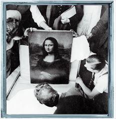 Η επιστροφή της Νίκης της Σαμοθράκης στο Μουσείο του Λούβρου μετά τον Πόλεμο, το 1945