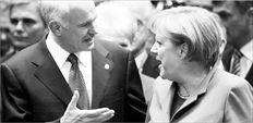 Μια Γερµανική Ευρώπη θέλει η Γερµανία. Αν η Ανγκελα Μέρκελ πει το «ναι» στο σχέδιο σωτηρίας, θα απαιτήσει υιοθέτηση κανόνων οικονοµικής διακυβέρνησης της Ευρώπης που θα δεσµεύουν για πάντα ως προς την εφαρµογή αυστηρής δηµοσιονοµικής πολιτικής. Στη φωτογραφία αρχείου µε τον έλληνα Πρωθυπουργό Γιώργο Παπανδρέου