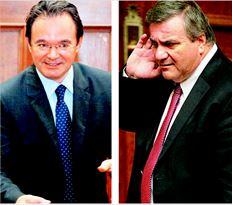 Συνεργάτες του υπουργού Οικονοµικών Γ. Παπακωνσταντίνου (αριστερά) αναφέρουν πως οι  αλλαγές στο κείµενο του φορολογικού νοµοσχεδίου δεν αποσκοπούν στην οριστική διαγραφή των  συγκεκριµένων ρυθµίσεων αλλά στη συζήτησή τους µε τον υπουργό ∆ικαοσύνης Χ. Καστανίδη, πριν  λάβουν την οριστική τους µορφή