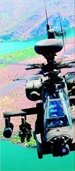 Ελικόπτερα Απάτσι,  όπως αυτό της φωτογραφίας,  ετοιµάζονται να αναλάβουν  δράση στη Λιβύη